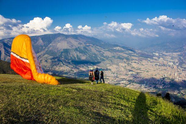 colombia adventure paragliding