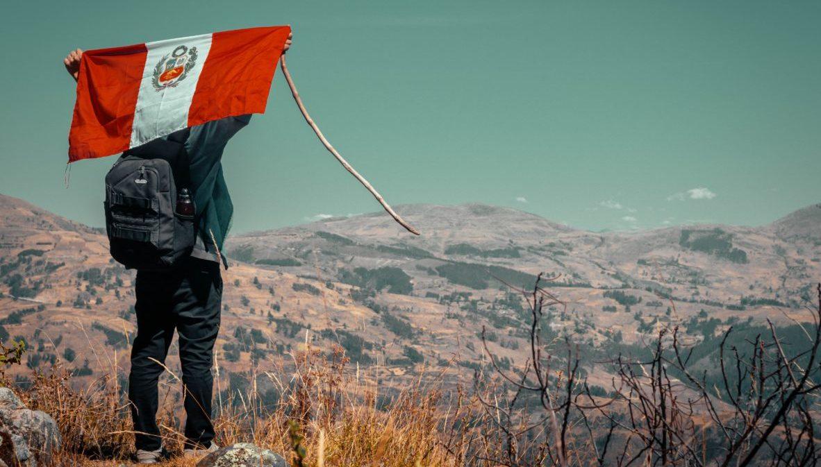 Project Cordillera Peru Flag. Carlos Ruiz